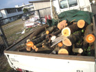 緑のリサイクル-幹、抜いた根株の処理