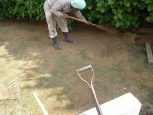 太宰府市五条 N邸 ウッドデッキリフォーム後の芝生張り