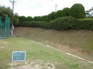 グラウンド法面草刈作業後